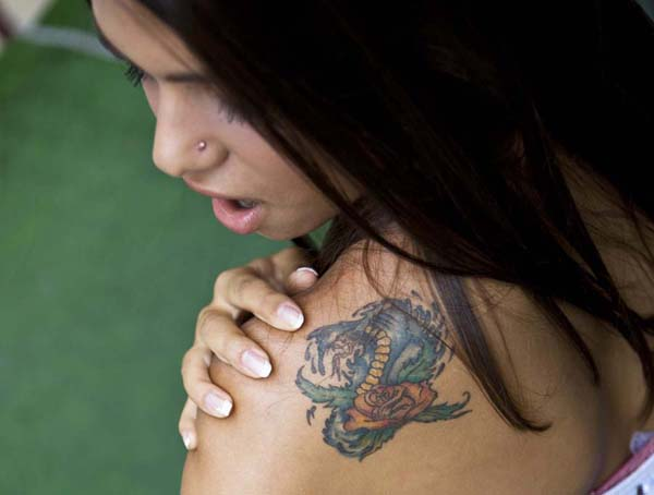 Tips for first tattoo cleveland oh ink on ink off for Should you tip a tattoo artist